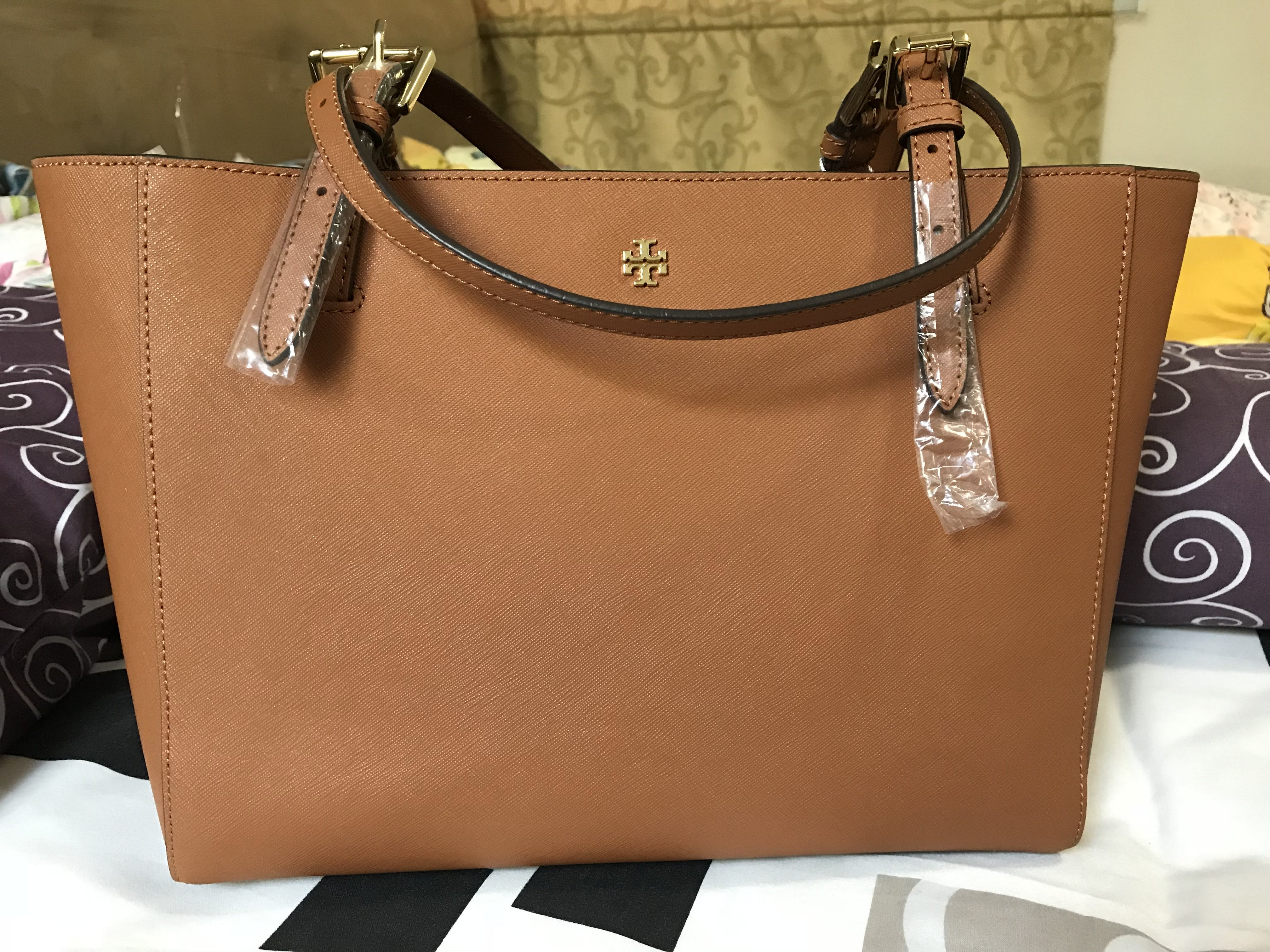 Tas Tory Burch 40668 Leather York Small Buckle Tote Luggage Brown Black User Picture