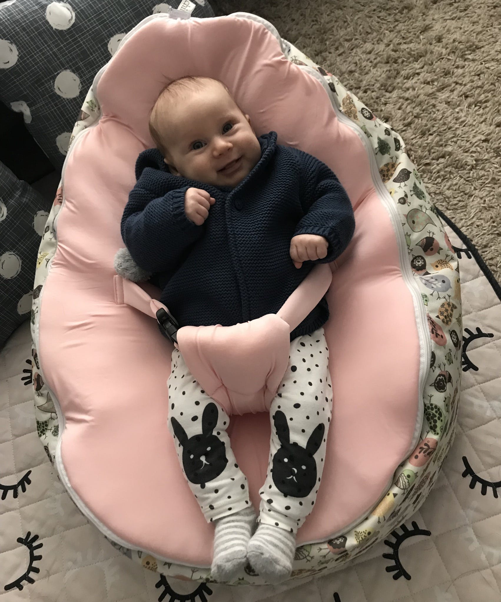 Pink Baby Seat for 'Smiley Face' Snuggle Pods (black buckle)