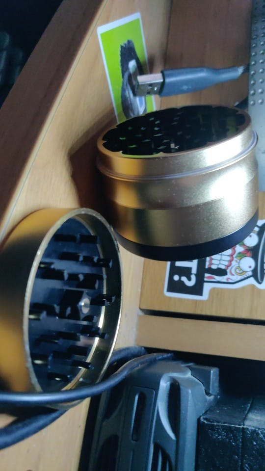 HONEYPUFF 63 MM  4 Layers High Quality Tobacco Grinder