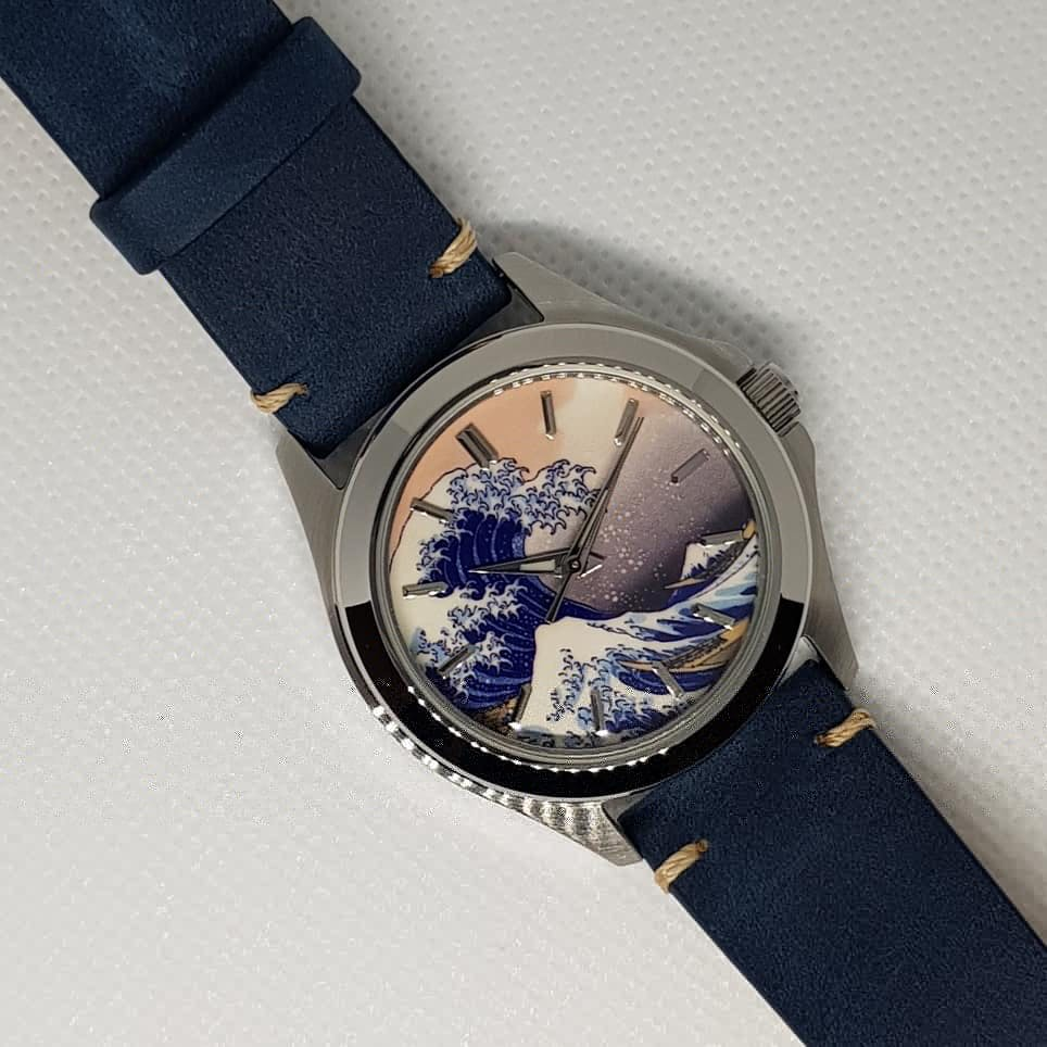 c042c11f0 It's super comfy of the wrist and looks really nice paired with my Great  Wave mod. Few little niggles such as too much glue around the stitching  areas, ...