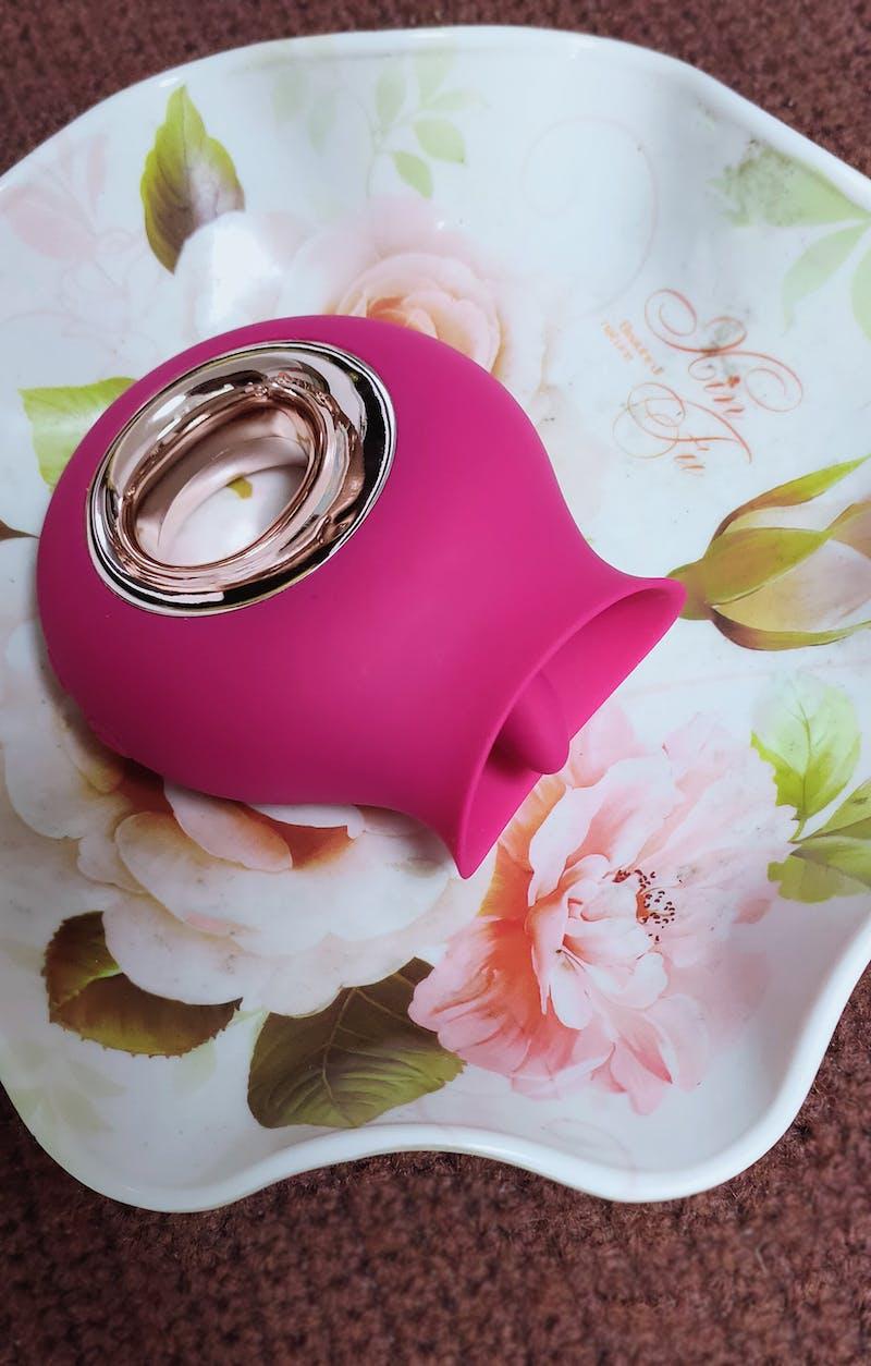 Alvina - Luxury Tongue Clit Licking Vibrator