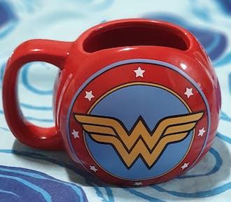 DC Comics Wonder Woman Shield Mug