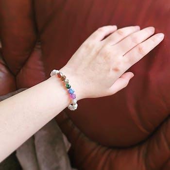 7 Chakra Healing – 7 Gemstones (Large Cut) on Howlite Stretch Bracelet