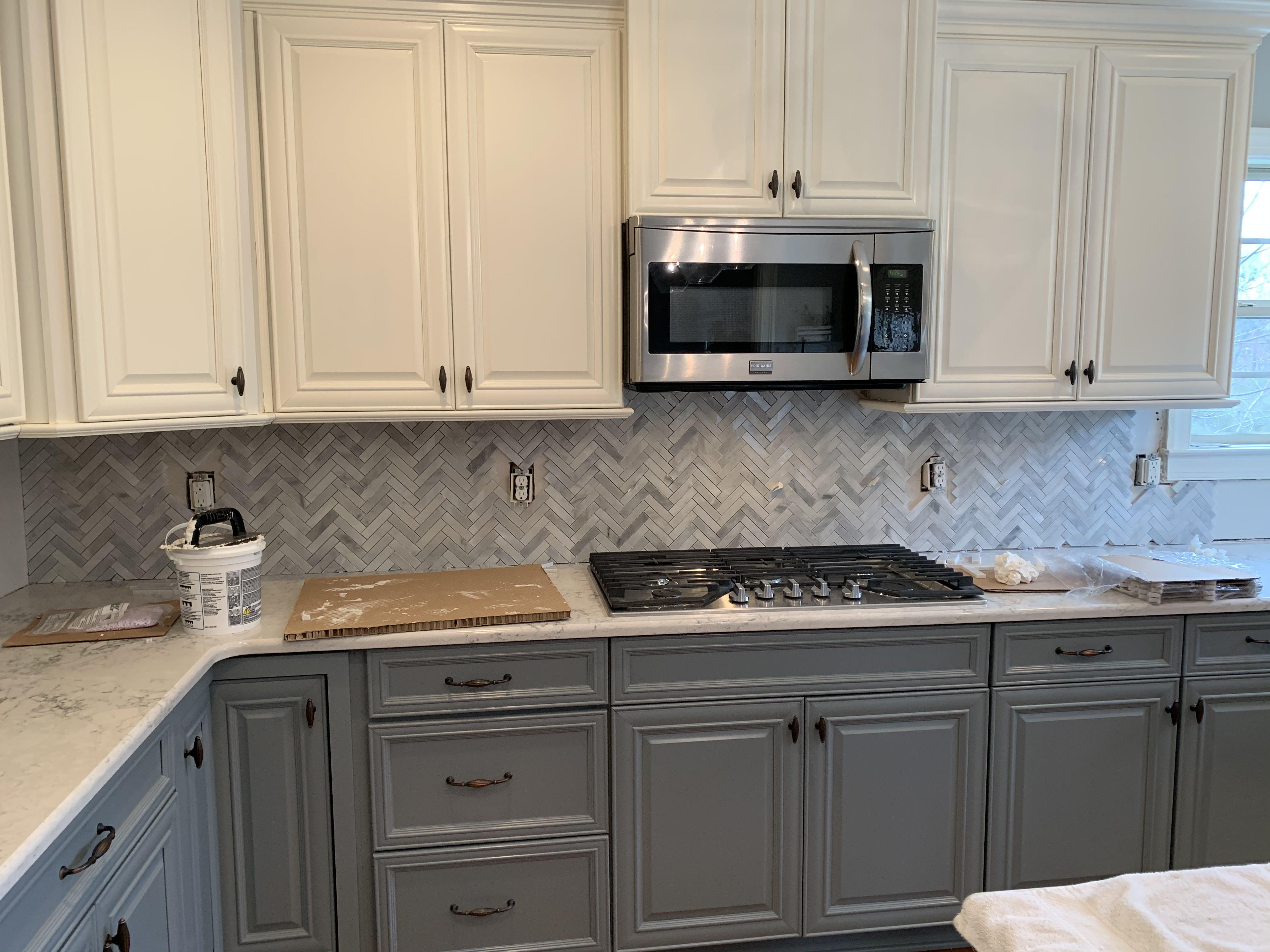 Carrara Bianco 1x4 Herringbone Marble Mosaic Tile Honed Polished Budgetmarble Com Budget Marble