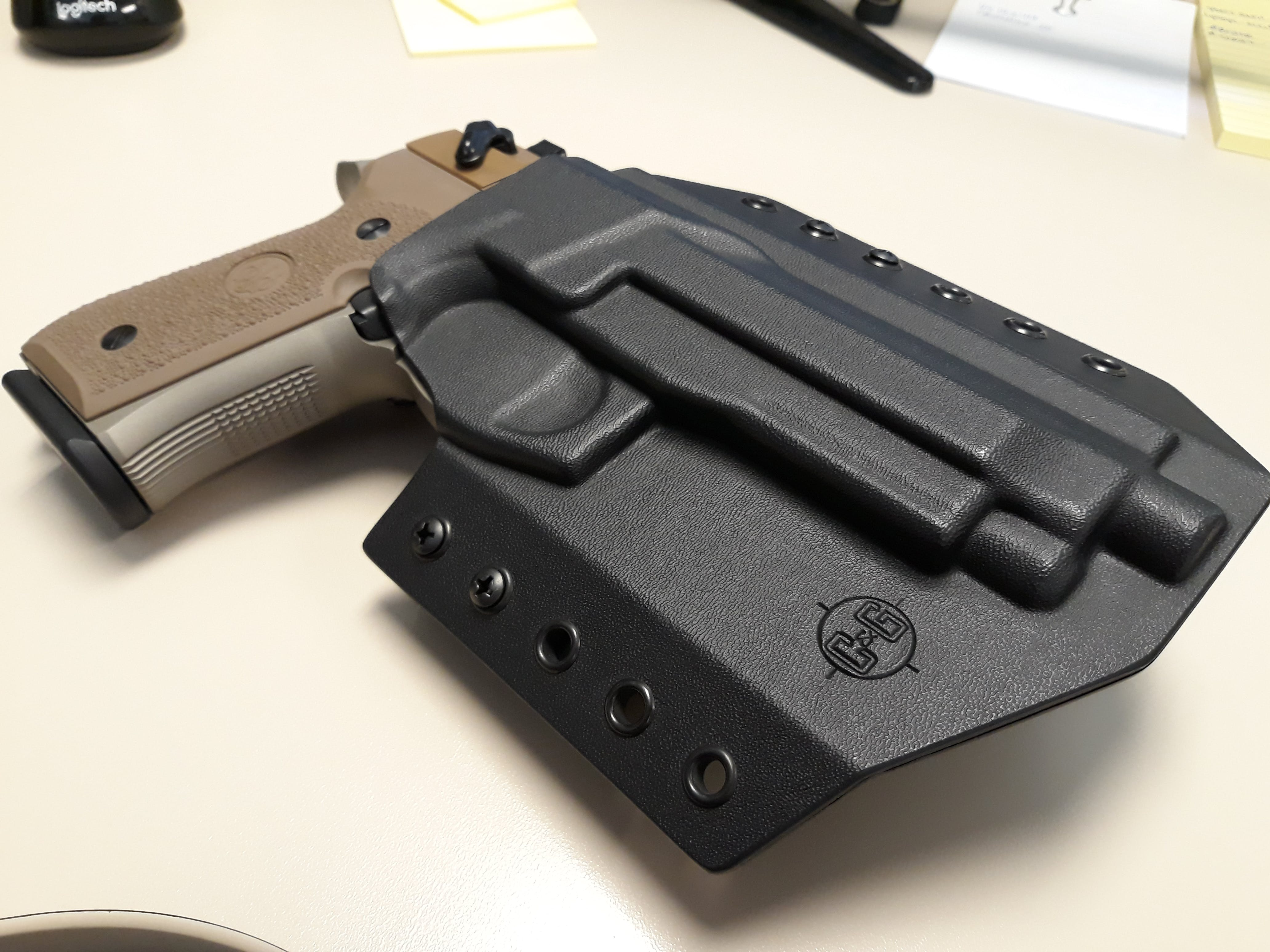 Beretta 92FS/96/M9A3/Vertec OWB Covert Kydex Holster - Quickship