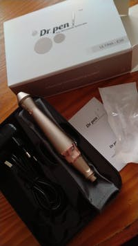 Dr.Pen Ultima E30 Microneedling Pen With 18Pcs Cartridges