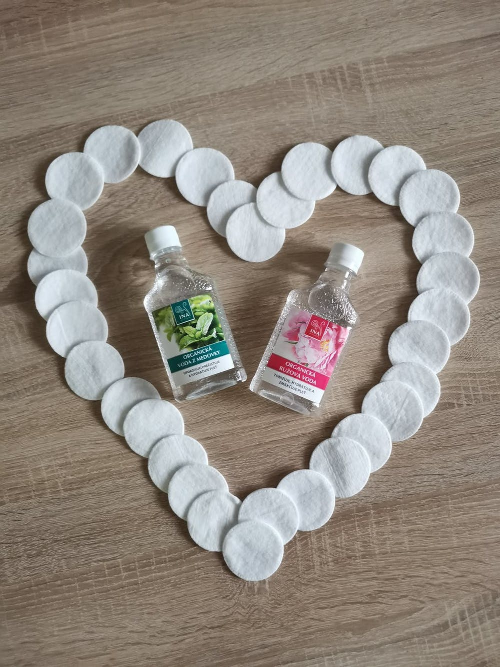 Organická Růžová voda pro všechny typy pleti (200ml)
