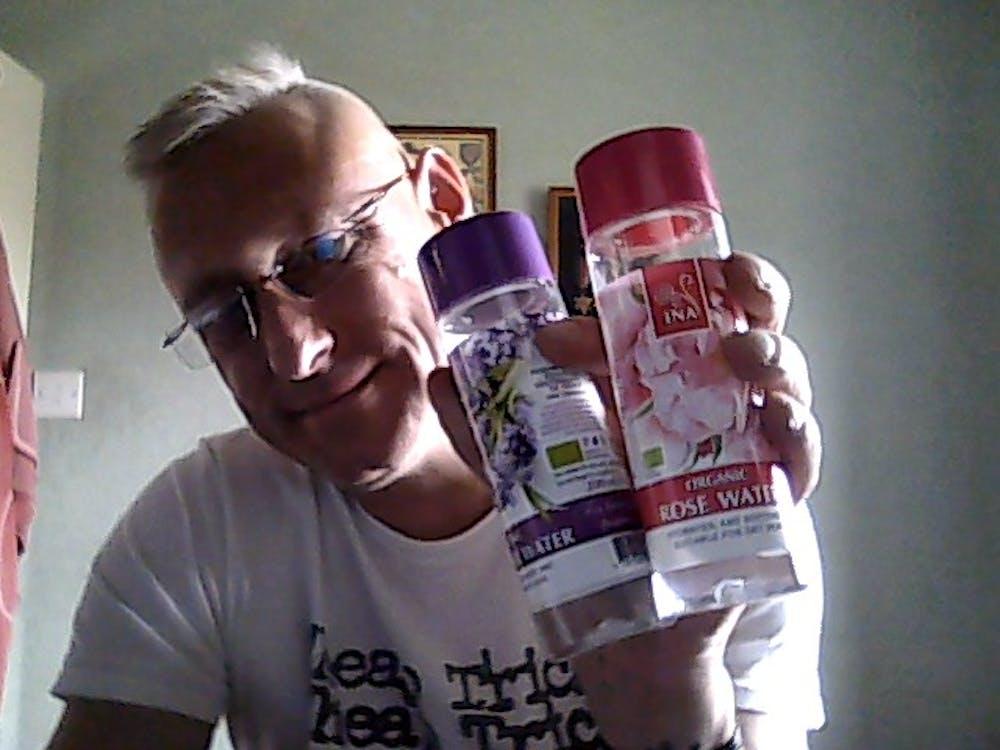 Organic Rose Water for dry skin - 200 ml (Hydrolat)