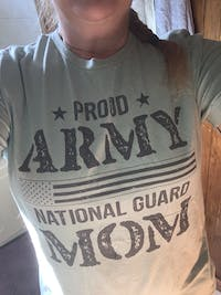 Proud Army Mom Heartbeat T-shirts