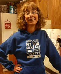 Proud Air Force Mom Kick Ass T-shirts