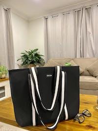 Manhattan (Black) Neoprene Tote Bag- With Zip Closure
