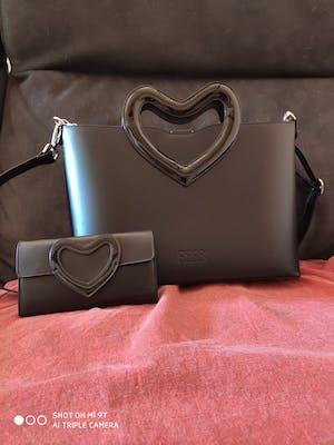 Rebb LOVE, portafoglio in pelle nera e interno argento con inserto a cuore