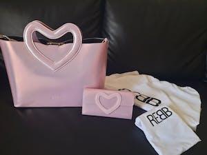 Rebb LOVE 2020, borsa media a tracolla o a mano in pelle rosa con manico a cuore