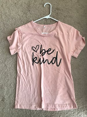 Be-Kind Slogan Tee