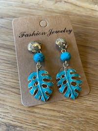 Bohemian Spring Leaves Dangle Earrings - Turquoise Beads and ocean Shells