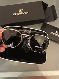 KINGSEVEN Retro-Hex Sunglasses