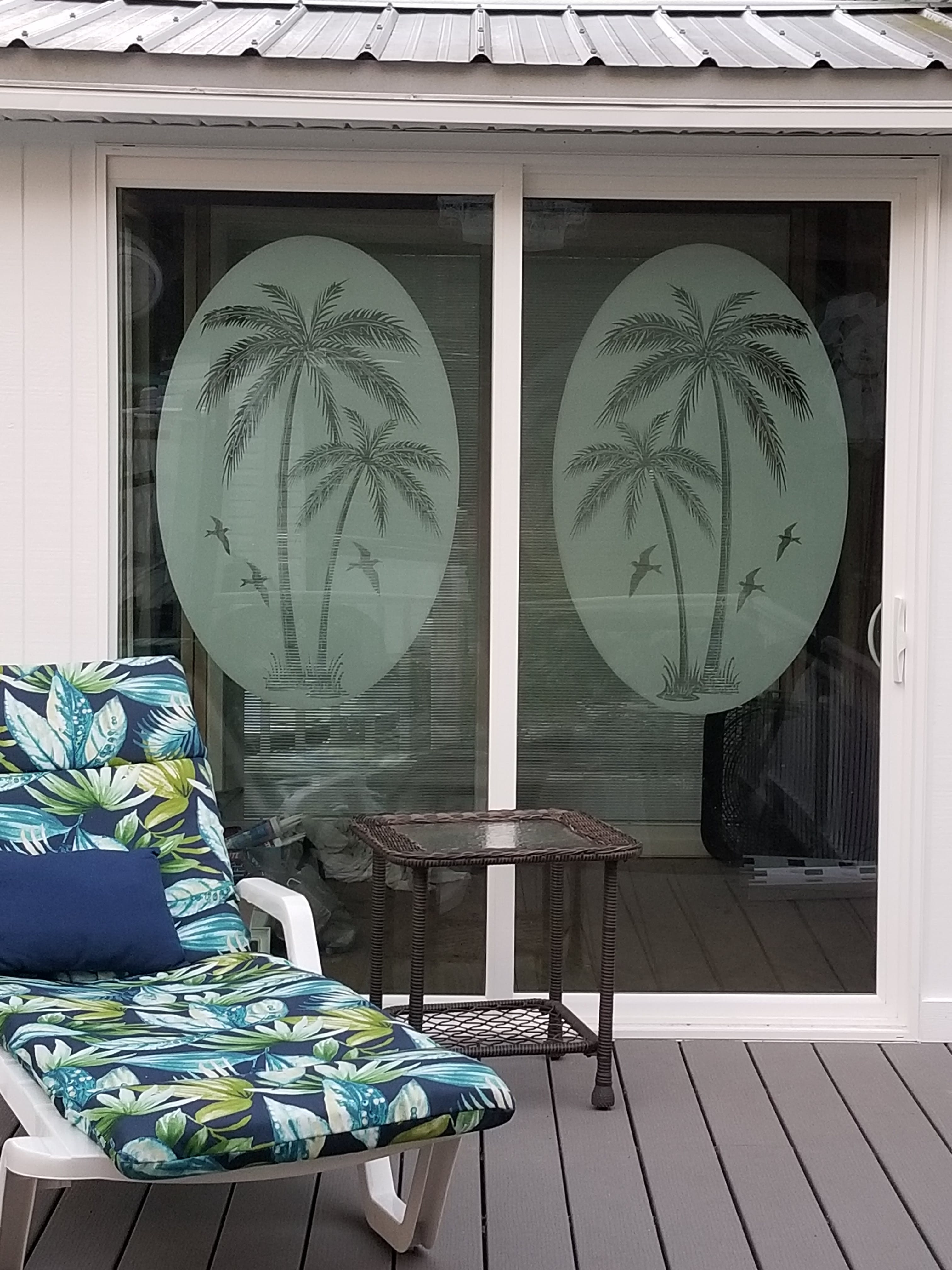 Oval Palm Tree Left Side Static Cling